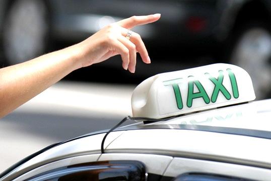 guia-de-viagem-arraial-dajuda-taxi