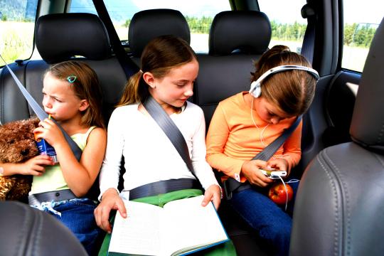 Spitzen-zu-Reise-mit-der-Familie-Auto