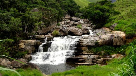 pontos-turísticos-de-teresopolis-cachoeira-dos-frades