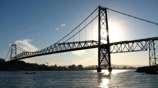 pontos-turísticos-de-florianopolis-ponte-hercilio-luz