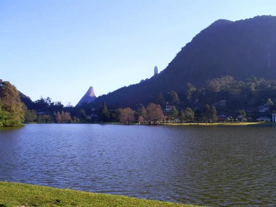 lago-comary