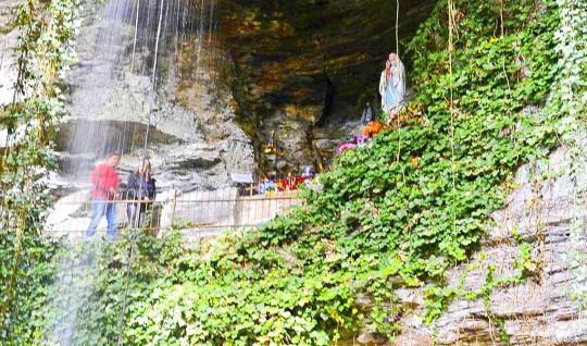 gruta-nossa-senhora-de-lourdes-urubici