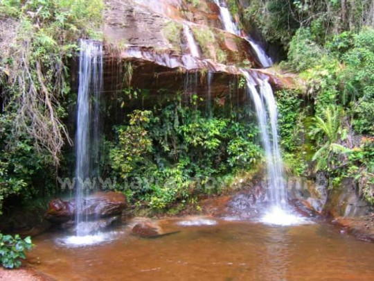 lavras-novas-cachoeira-tres-pingos