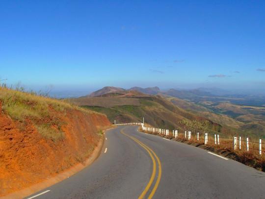 parque-estadual-serra-rola-moça-estrada