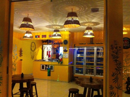onde-comer-praia-da-pipa-café