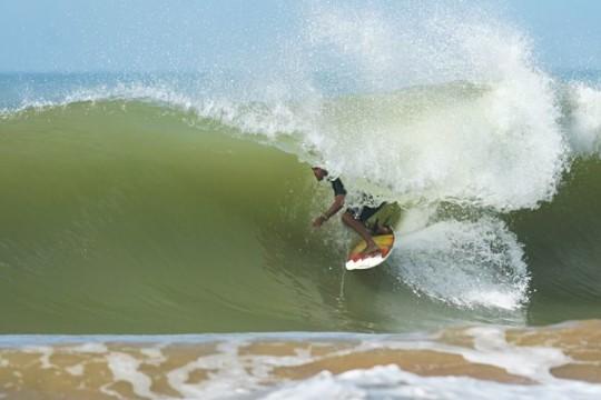 onde-se-divertir-em-guarapari-surf
