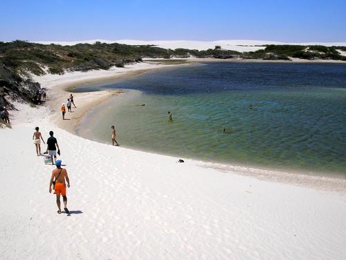 pontos-turisticos-de-lencois-maranhenses-praia-de-lencois