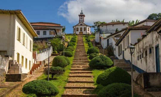 pontos-turisticos-de-serro-Igreja de Santa Rita
