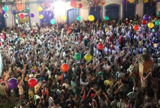 onde-se-divertir-em-serro-carnaval